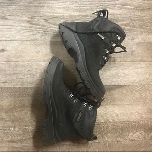 Shoes - Waterproof Size 8 Dry Ice Winter Boots